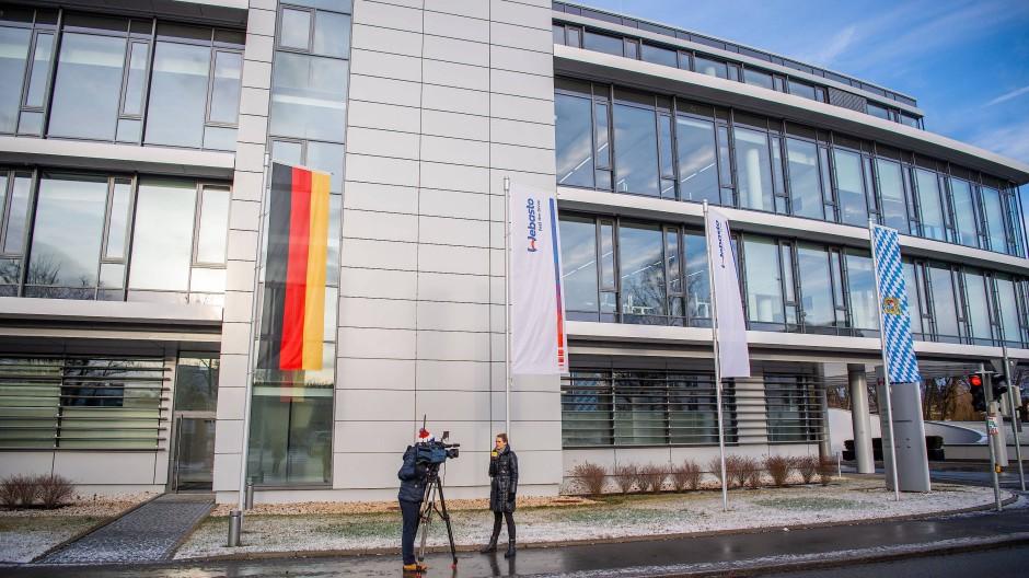 Ausnahmezustand im bayrischen Stockdorf: Vor einem Jahr kam das Coronavirus nach Deutschland – zu Webasto, dem Hersteller von Autodächern und Standheizungen.
