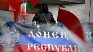 Schäuble: Russland heizt Unruhen an