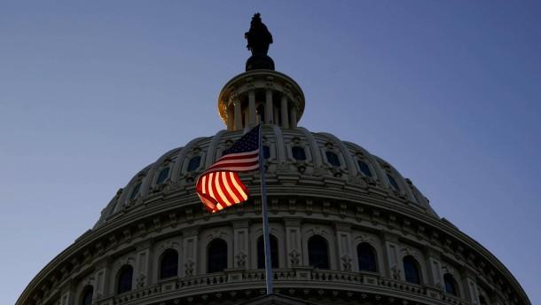 Abgeordnete stimmen für Amtsenthebungsverfahren gegen Trump