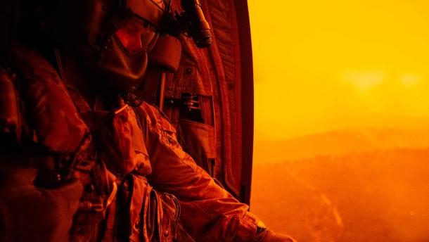Feuerwehrmann stirbt im Kampf gegen Buschfeuer in Australien