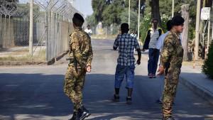 Flüchtlingslager in Mafia-Hand