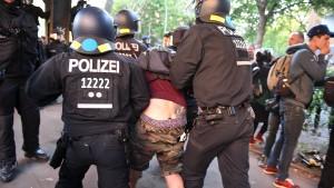 """Für die Polizei ist der 1. Mai ein """"super Tag"""""""