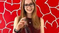 Upcycling: Janine Hoffmann hat am Institut für Lebensmittelchemie der Gießener Universität eine nachhaltige Beerenreste-Limonade entwickelt.