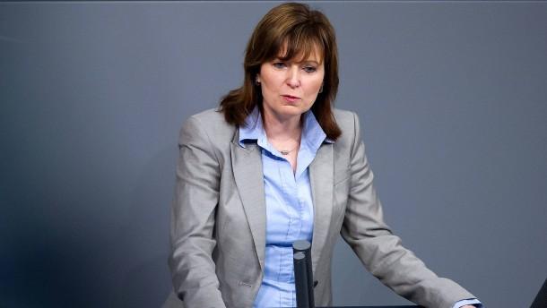 Petra Hinz legt Parteiämter nieder