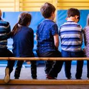Viele Kinder werden regelmäßig von Oma und Opa abgeholt. Das soll nun vermieden werden.