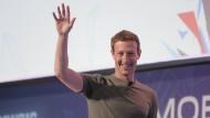 Gut gelaunt Mark Zuckerberg auf dem MWC in Barcelona