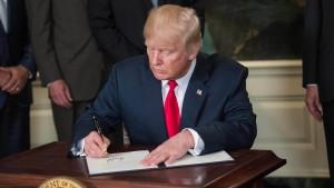 "China ""besorgt"" über Trumps Untersuchung"