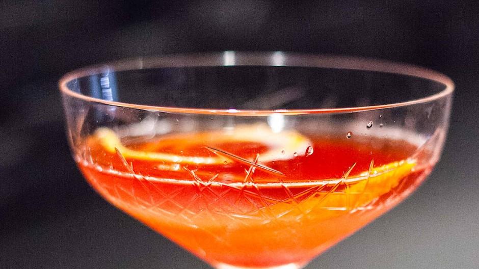 """Ein Gläschen in Ehren: Wenn die Lieblingsbar geschlossen ist, sind """"Bottled Cocktails"""" für zu Hause wenigstens eine stilvolle Alternative"""