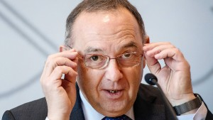 Walter-Borjans und Saskia Esken wollen SPD führen