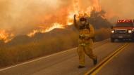Tausende fliehen vor Waldbrand