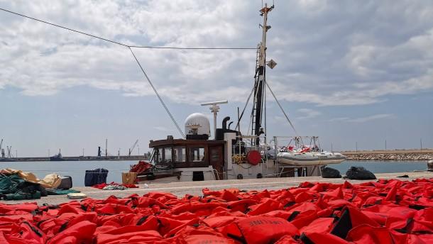 Mehr als 50 Flüchtlinge sterben bei Bootsunglück