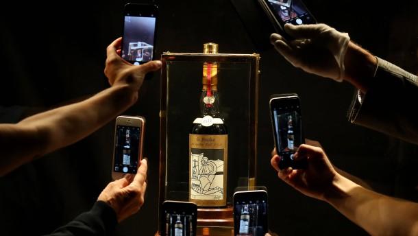 Whisky-Flasche für fast eine Million Euro verkauft