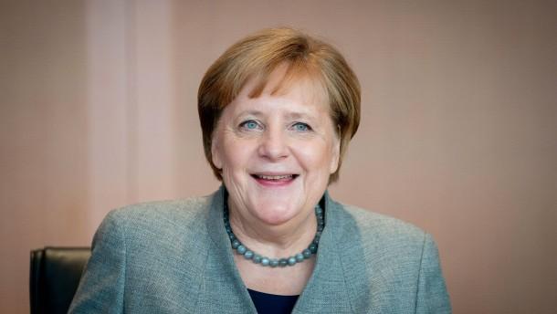 Merkel zieht mit Adenauer gleich