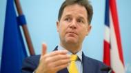 Clegg distanziert sich von Cameron
