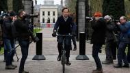 Abfahrt: Der niederländische Ministerpräsident Mark Rutte, nachdem er im Königlichen Palast in Den Haag war.