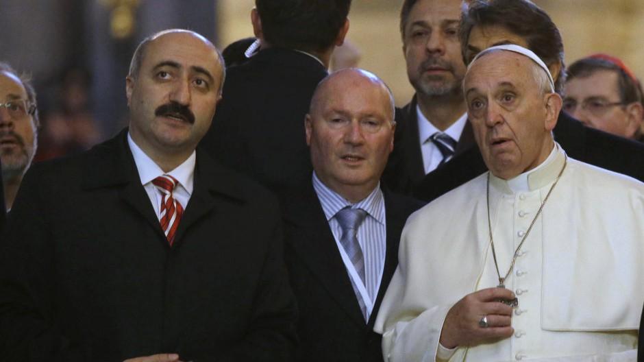 Einst das größte Gotteshaus der Christenheit: Papst Franziskus beim Besuch in der Hagia Sophia
