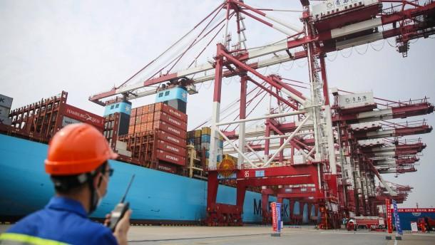 Chinas Außenhandel stärker als vor einem Jahr
