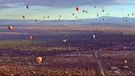 Hunderte Heißluftballons steigen über New Mexico auf