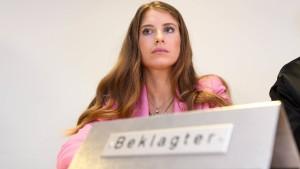 Cathy Hummels gewinnt vor Gericht