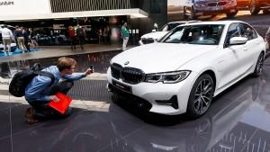 BMW verdient ein Sechstel weniger