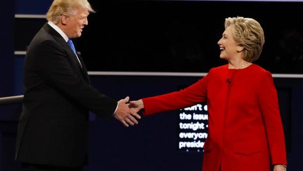 Die Skandale und Lügen von Trump und Clinton