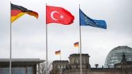 Kontrollgremium des Bundestags beleuchtet türkischen Geheimdienst