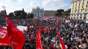 Zehntausende demonstrieren gegen Rechtsextremismus