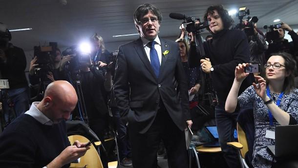 Spaniens Justiz droht Puigdemont mit Haftbefehl – in Dänemark