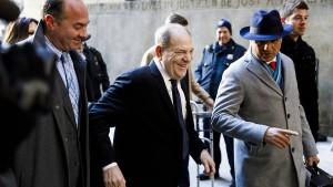 Eröffnungsplädoyers im Prozess gegen Weinstein