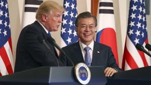 Moon für Dreier-Treffen mit Trump und Kim
