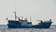 """Das beschlagnahmte Schiff """"Iuventa"""" vor der libyschen Küste"""