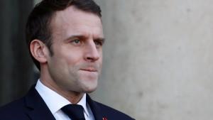 Wie Macron die Franzosen besänftigen will