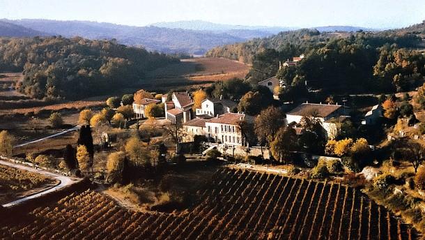 Angelina Jolie verkauft ihre Anteile am Weingut Miraval
