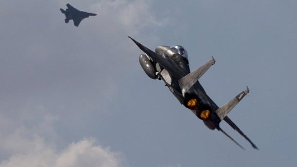 Israel fliegt Luftangriff nach Beschuss aus dem Gazastreifen