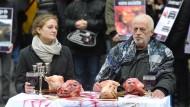 Vegane Aktivisten fordern Fleischverbot