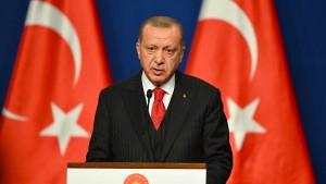 """Erdogan droht wieder mit """"Öffnung der Türen"""" für Flüchtlinge"""