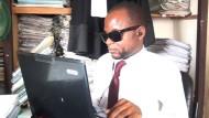 Erster blinder Anwalt Kameruns