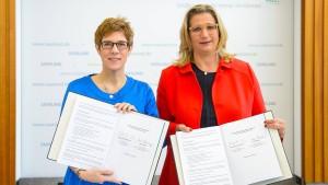 Koalitionsvertrag im Saarland unterzeichnet