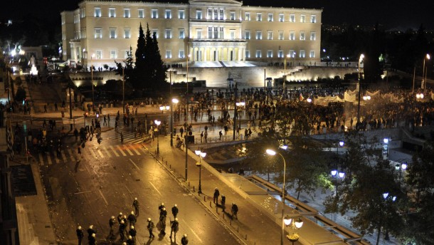 Griechen rebellieren gegen Sparkurs