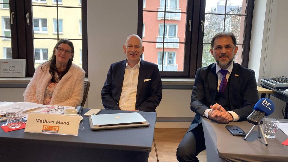 Fraktionspartner: Ingeborg Leineweber, Mathias Mund, Haluk Yildiz bei der Pressekonferenz am Mittwoch