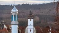 Moschee und Kirche in Usingen im Taunus