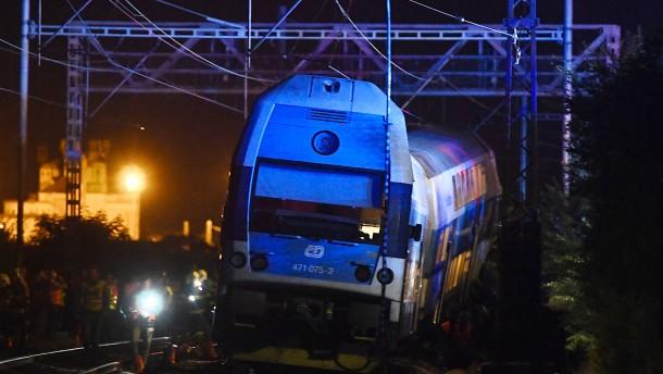 Tödliches Zugunglück bei Prag