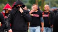 Polizei ermittelt wegen Hitlergruß von Besuchern des Neonazi-Konzerts