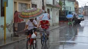 """""""Irma"""" schickt sechs Meter hohe Wellen nach Kuba"""