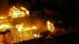 600 Häuser bei Großbrand in Armenviertel ausgebrannt