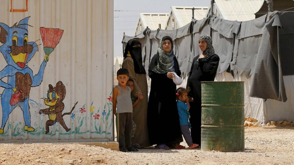 Muslimische Flüchtlinge aus Syrien in einem Aufnahmelage in Jordanien