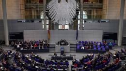Ein größerer Bundestag könnte jedes Jahr 111 Millionen Euro kosten
