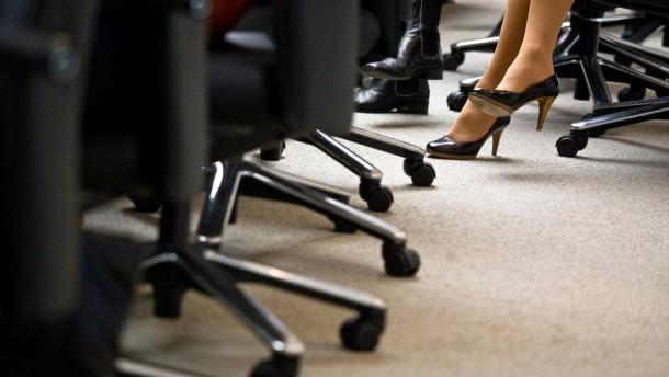 EU will im Oktober Gesetz zur Frauenquote vorlegen