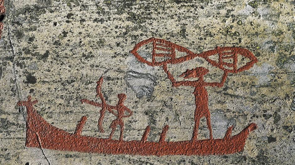Der Atlantik bot steinzeitlichen Fischern und Robbenjägern reichhaltige Nahrung: Sechstausend Jahre alte Felszeichnung aus Alta in Nordnorwegen.