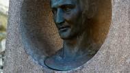 Die Büste am Grab von Ludwig Börne auf dem Pariser Friedhof Père Lachaise
